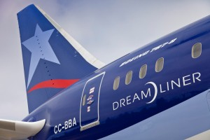 LAN-AIRLINES-Dreamliner-a